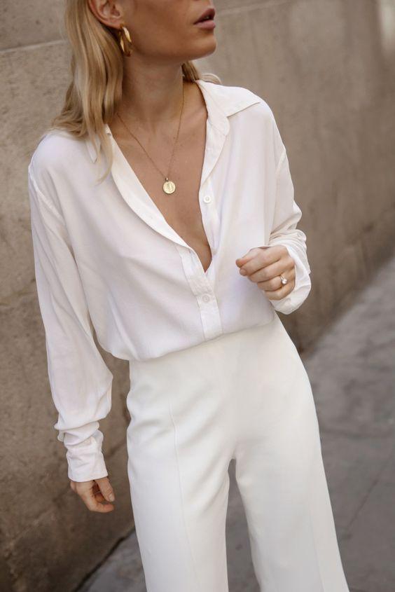 Witte blouse met crème pantalon | Kerstoutfits met items die je al hebt | Good For